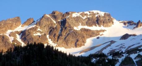 mountain-climbing-fortress-mountain